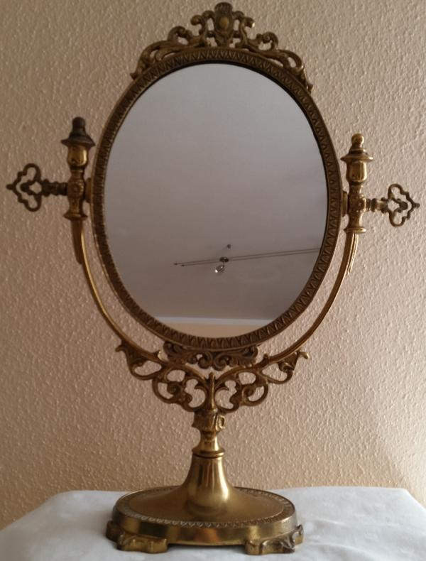jugendstil standspiegel tisch kosmetik spiegel aus messing. Black Bedroom Furniture Sets. Home Design Ideas