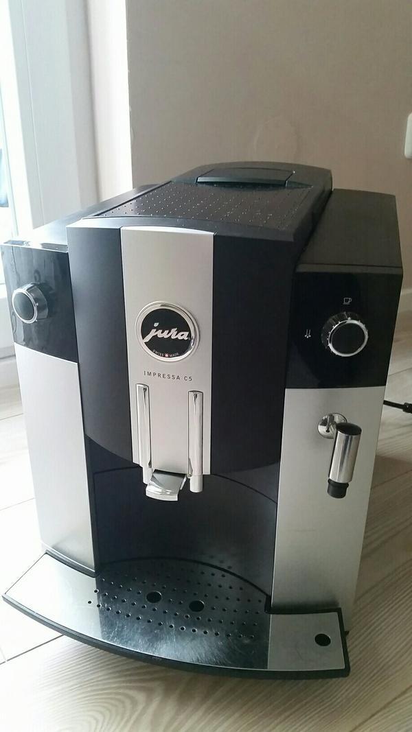 jura impressa c5 platin im top zustand in olching kaffee. Black Bedroom Furniture Sets. Home Design Ideas