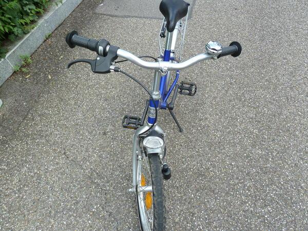 kinder fahrrad von kelvin 20 zoll blau in remseck. Black Bedroom Furniture Sets. Home Design Ideas