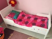 Kinderbett + Lattenrost + Matratze,