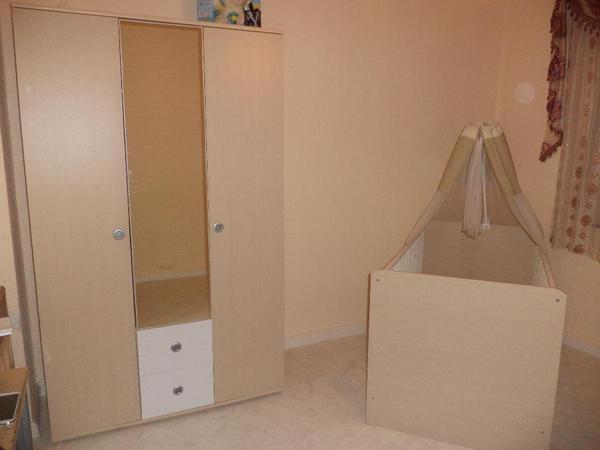 Kinderzimmer komplett schrank bett und kommode in for Kinderzimmer bett und schrank