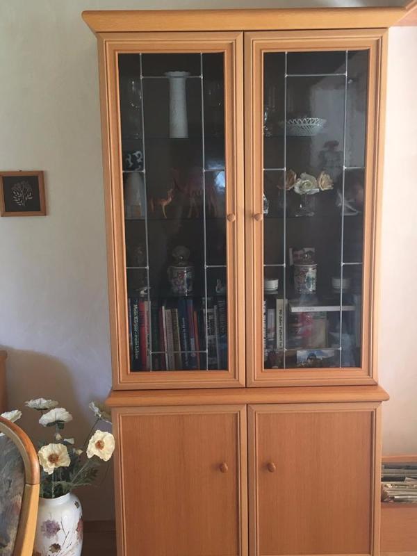 echtholz vitrine kaufen gebraucht und g nstig. Black Bedroom Furniture Sets. Home Design Ideas