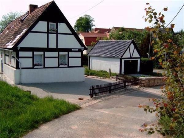 kleines ferienhaus in k nigshain ferienimmobilien deutschland kaufen und verkaufen ber. Black Bedroom Furniture Sets. Home Design Ideas