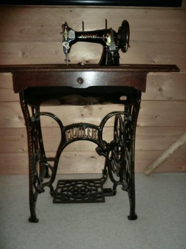 k hler n hmaschine auf metallgestell in bruckberg. Black Bedroom Furniture Sets. Home Design Ideas