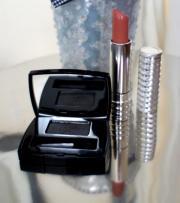Kosmetik Eyeshadow + Lippenstift