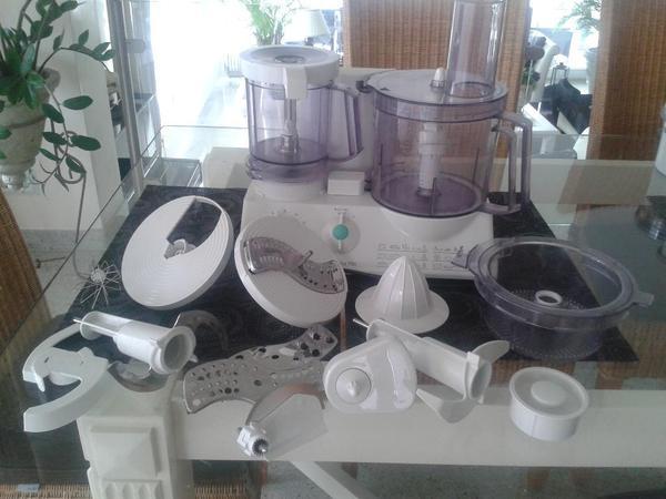k chenmaschine bosch mit entsafter und zubeh r. Black Bedroom Furniture Sets. Home Design Ideas