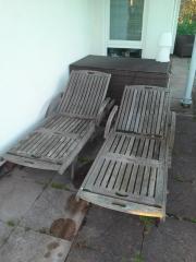 Liegestühle aus Holz
