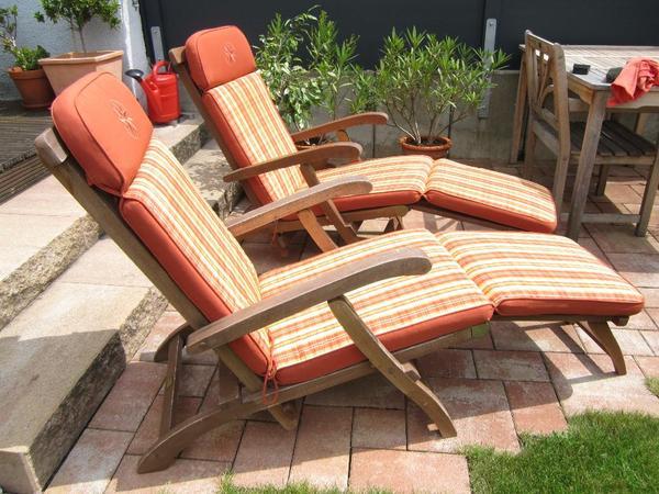 Angeboten werden hier 2 Deckchairs mit Auflagen Marke Sun Fun Zustand