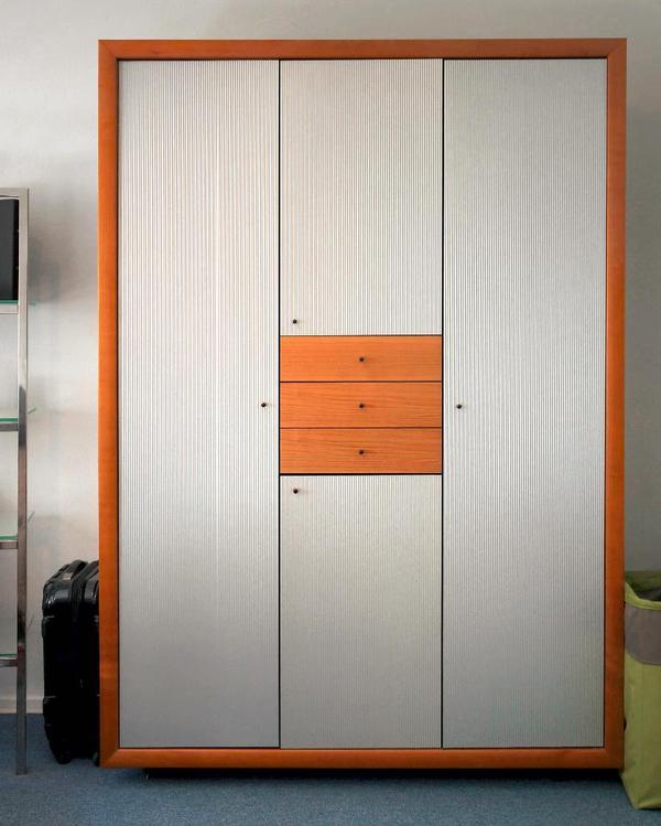 Ligne Roset Designer-Kleiderschrank ** in Aachen - Schränke ...