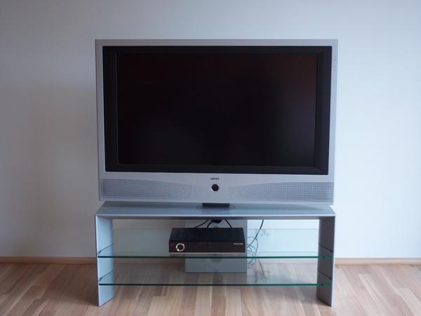loewe xelos a 37 dr mit festplatte und loewe xelos rack auf wunsch lieferung m glich in hanau. Black Bedroom Furniture Sets. Home Design Ideas