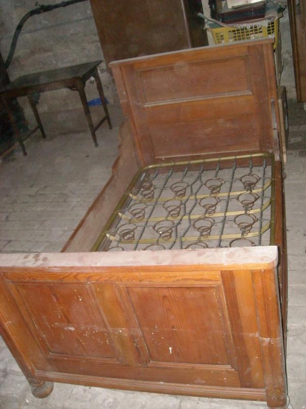 massivholzbett rustikal kellerfund in speyer betten kaufen und verkaufen ber private. Black Bedroom Furniture Sets. Home Design Ideas