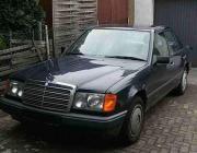 Mercedes Benz 230E (
