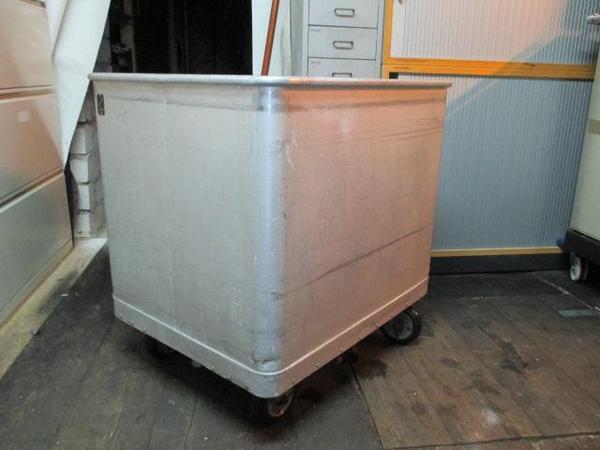 metzgerei hausschlachtung alu rollwanne mit edelstahl ablasshahn metzgereibedarf in reichelsheim. Black Bedroom Furniture Sets. Home Design Ideas