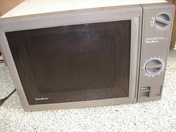 mikrowelle moulinex in altdorf k chenherde grill mikrowelle kaufen und verkaufen ber. Black Bedroom Furniture Sets. Home Design Ideas