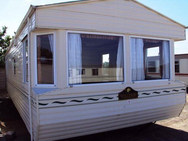 mobilheim salisbury winterfest caravan wohncontainer ferienhaus buro container in nordhorn. Black Bedroom Furniture Sets. Home Design Ideas
