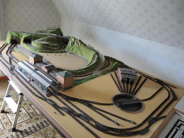 modelleisenbahn spur n fertiggel nde mit minitrix gleisen zu verkaufen fertiggel nde mit. Black Bedroom Furniture Sets. Home Design Ideas