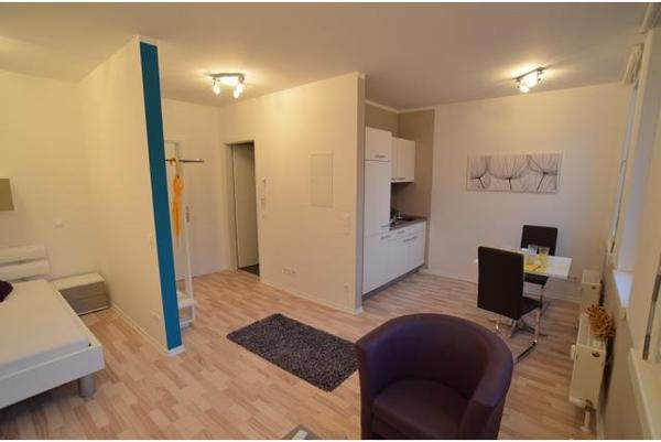 modern eingerichtete 1 zimmer wohnung mit stellplatz an der f rther stadtgrenze vermietung 1. Black Bedroom Furniture Sets. Home Design Ideas