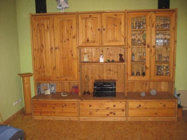 moderne zeitlose wohnwand massiv zu verkaufen in limburg wohnzimmerschr nke anbauw nde kaufen. Black Bedroom Furniture Sets. Home Design Ideas