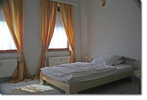 m blierte wohnung f r kurze zeit oder auch f r lange zeit zu vermieten in krefeld vermietung. Black Bedroom Furniture Sets. Home Design Ideas