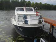 Motor-Kajütboot mit