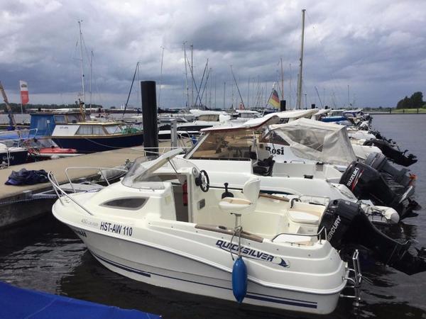 motorboot quicksilver qs 430 in berlin motorboote kaufen und verkaufen ber private kleinanzeigen. Black Bedroom Furniture Sets. Home Design Ideas