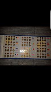 Münzsammlung mit Ordner
