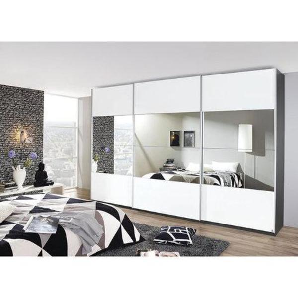 wochen aufgebaut da wir nun in eine kleinere wohnung. Black Bedroom Furniture Sets. Home Design Ideas