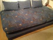 Neuwertiges Gästebett mit