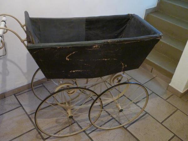 kinderwagen jahre kaufen gebraucht und g nstig. Black Bedroom Furniture Sets. Home Design Ideas