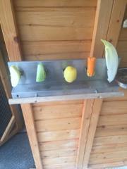 Obsthalter und Futternapfhalter