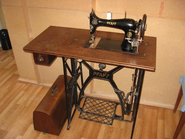 nähmaschine mit tisch