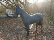 Pferd aus Kunststoff