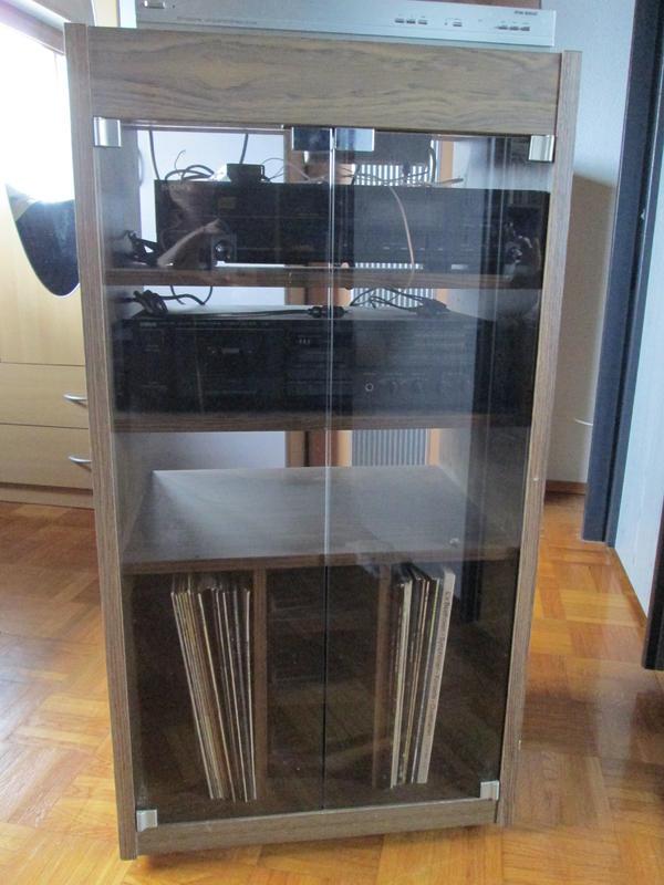 phono rack in eiche rustikal mit 2 glast ren f cher f r schallplatten und 2 einlegeb den ca. Black Bedroom Furniture Sets. Home Design Ideas