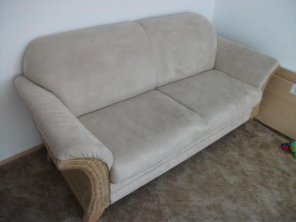 rattansofa sofa beige mit federkernpolsterung in leinfelden echterdingen kaufen und verkaufen. Black Bedroom Furniture Sets. Home Design Ideas
