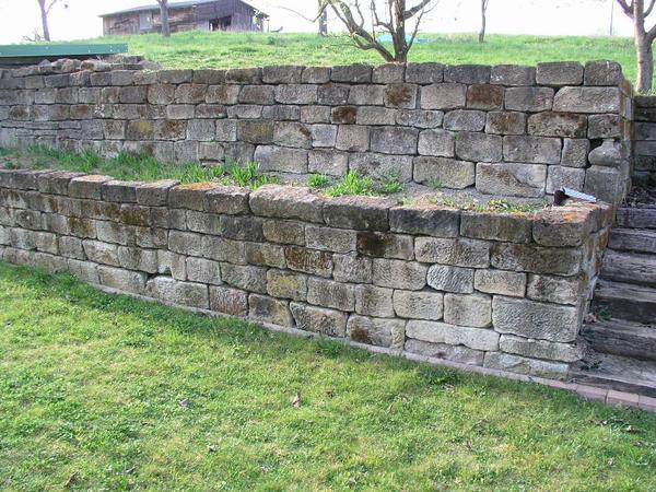 sandsteinmauer trockenmauer fensterb nke u st rze aus. Black Bedroom Furniture Sets. Home Design Ideas