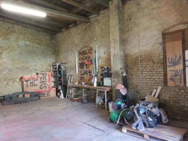 scheune lagerhalle in berlin vermietung garagen. Black Bedroom Furniture Sets. Home Design Ideas