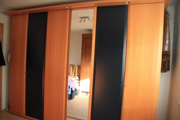 kleiderschrank spiegelt ren kleinanzeigen familie haus. Black Bedroom Furniture Sets. Home Design Ideas