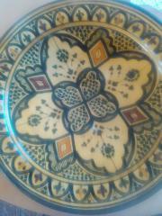 Schöner Keramikteller aus