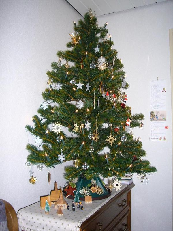 k nstlicher weihnachtsbaum neu und gebraucht kaufen bei. Black Bedroom Furniture Sets. Home Design Ideas
