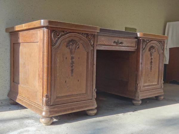sch ner schreibtisch von 1908 mit stuhl in krumbach stilm bel bauernm bel kaufen und. Black Bedroom Furniture Sets. Home Design Ideas