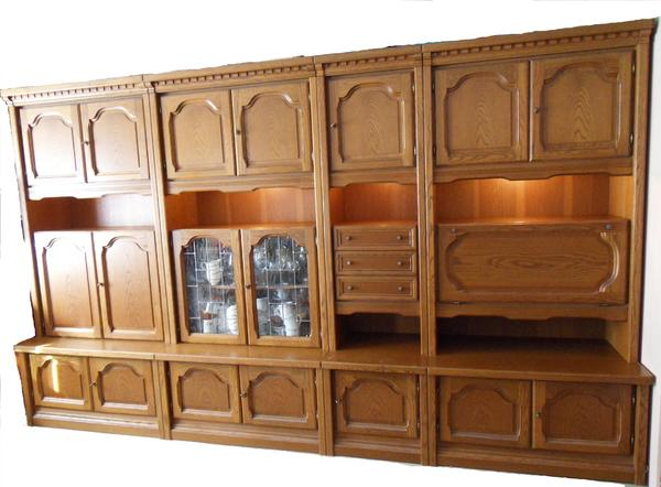 schrankwand wohnwand mit beleuchtung 356 x 216 x 56 cm in hamburg wohnzimmerschr nke. Black Bedroom Furniture Sets. Home Design Ideas