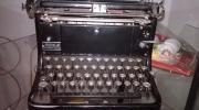 Schreibmaschine ca. 80