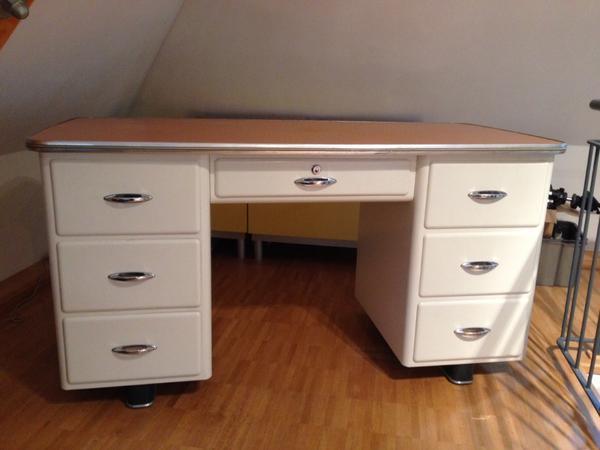Schreibtisch arztschreibtisch 60er jahre bauhaus metall for Schreibtisch quoka