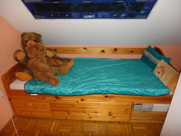 schubladenbett massivholz 200 x 90 cm liegefl che bei bedarf werden die 3 rosshaarmatratzen. Black Bedroom Furniture Sets. Home Design Ideas