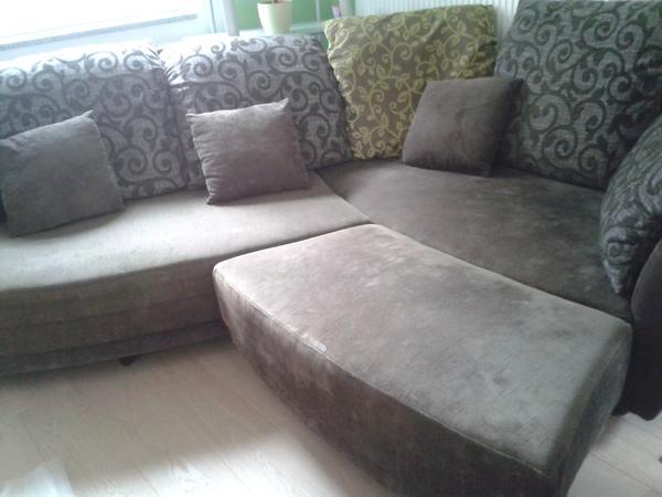 Sofa wohnlandschaft abgerundet in grau 39 schlammfarben for Wohnlandschaft quoka