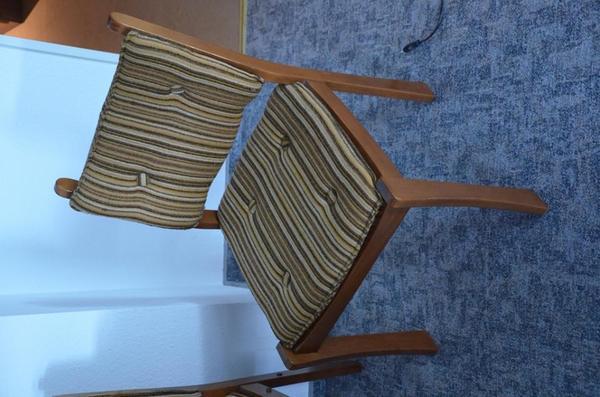 st hle mit eckbank und tisch abzugeben in althengstett. Black Bedroom Furniture Sets. Home Design Ideas