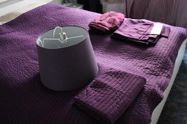 tagesdecke h ngelampe gardinen kissenbezug lila in stuttgart ikea m bel kaufen und verkaufen. Black Bedroom Furniture Sets. Home Design Ideas