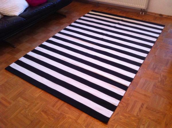 teppich neu schwarz wei gestreift streifen webteppich. Black Bedroom Furniture Sets. Home Design Ideas