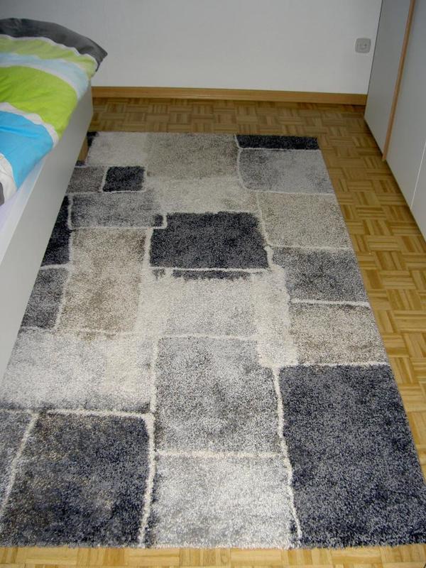 Hallo, verkaufe neuwertigen Teppich ( derzeit nicht mehr