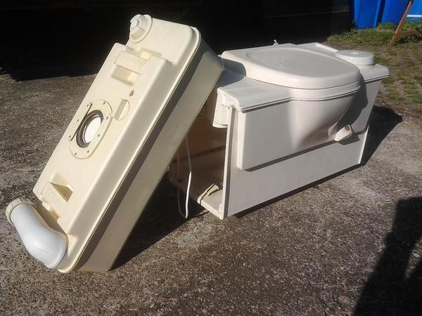 thetfort casseten toilette c2 in tannhausen wohnwagen. Black Bedroom Furniture Sets. Home Design Ideas